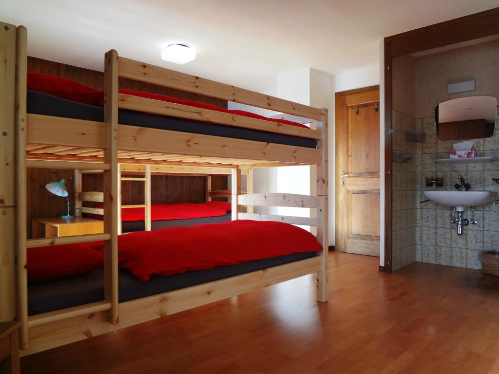 Chambre sextuple/Sextuple room Grand-Combin 2